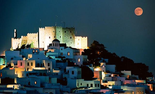Patmos-chora-night1.jpg