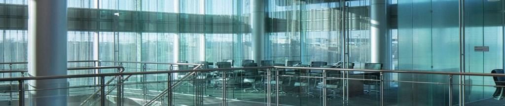 亞薩合萊天明、三和門業、煙台新華盛、龍電科技、鑫錨防火門等都是中國專業從事商業市場用門的公司之一